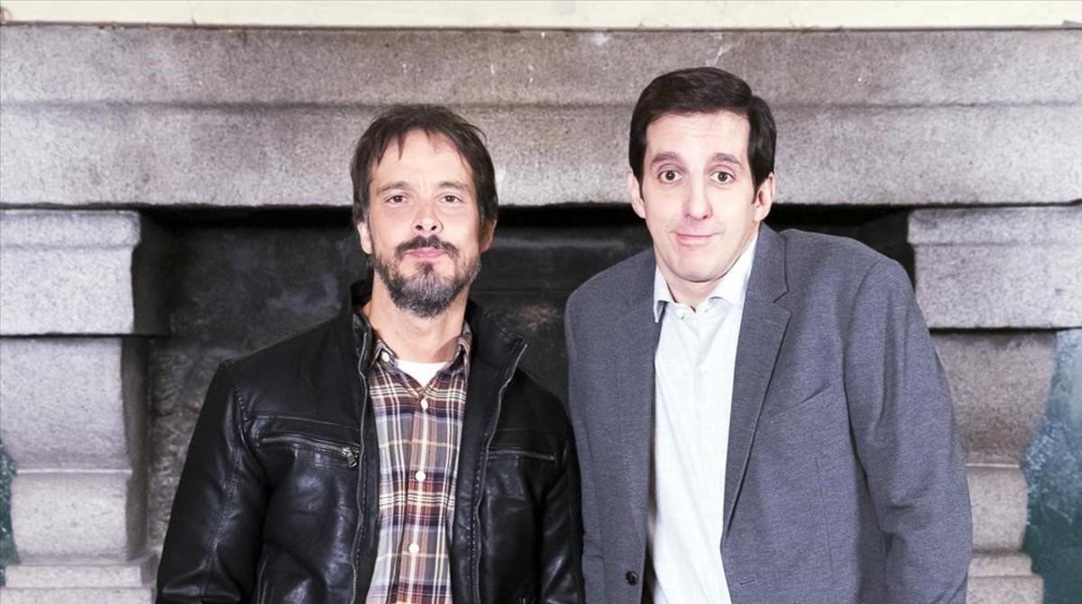David Janer, con Guillermo Ortega (derecha), compañero en Los habitantes de la casa deshabitada.