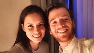 Adriana Lima junto a su pareja, Metin Hara