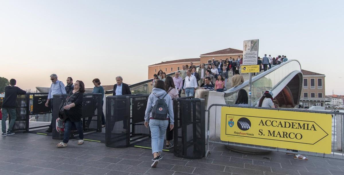 Uno de los tornos instalados para regular el acceso al centro de Venecia.