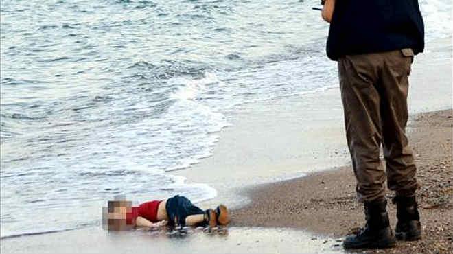 Once inmigrantes sirios han muerto tras hundirse dos barcas de goma en un nuevo episodio de migración hacia la UE.