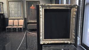 El marco vacío de 'Tormenta en el mar de Galilea' de Rembrandt, en el Isabella Stewart Gardner de Boston.