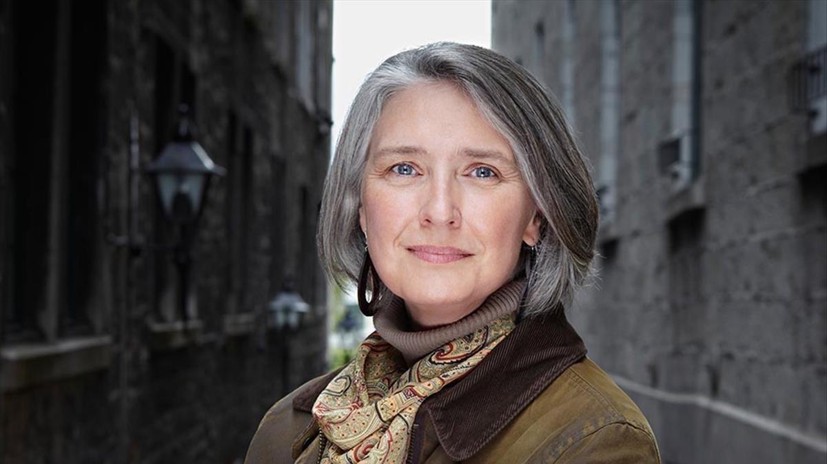 La escritora canadiense Louise Penny.