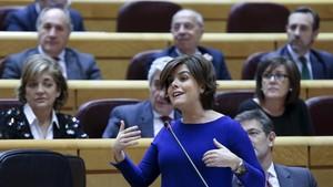 Soraya Sáenz de Santamaría, este lunes en la sesión de control al Gobierno.