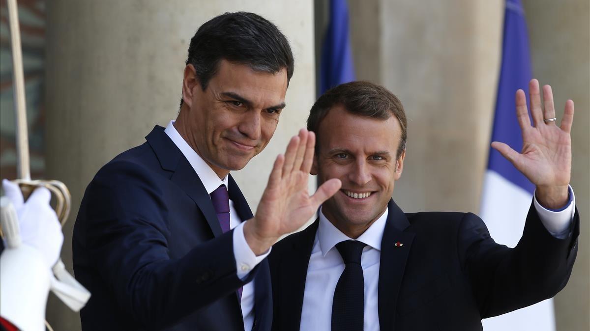 "Macron i Sánchez proposen ""centres tancats"" per a migrants que arribin a Europa"