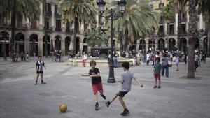 Així serà la nova educació física a les escoles: sense contacte i a l'aire lliure