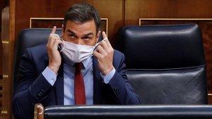 El presidente del Gobierno, Pedro Sánchez, en la última sesión de control al Ejecutivo bajo el estado de alarma que se celebra este miércoles en el Congreso.