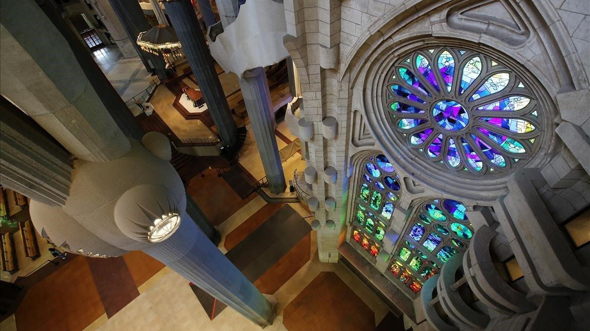 Imagen del interior de la Sagrada Família.