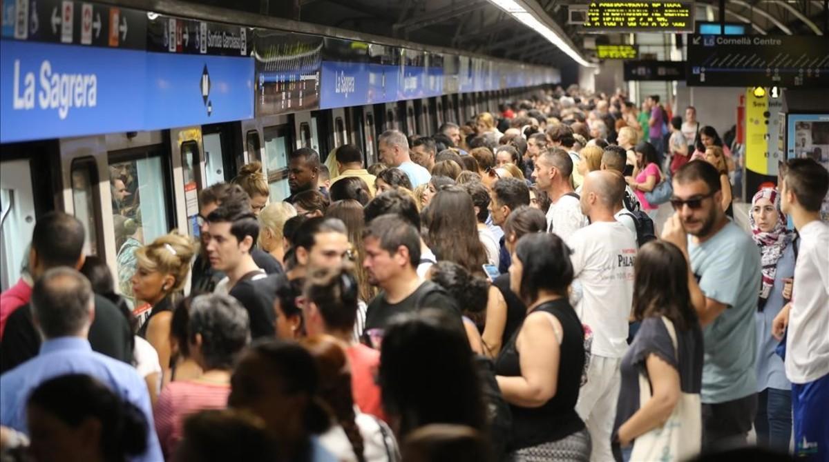 El metro reduce un 25% sus viajeros en una nueva jornada de huelga