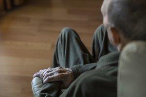 Els més grans de 65 anys han perdut orientació i atenció en les tasques quotidianes