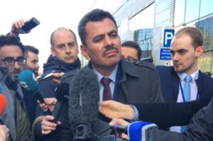 El alcalde de Alepo durante su visita a las instituciones comunitarias.