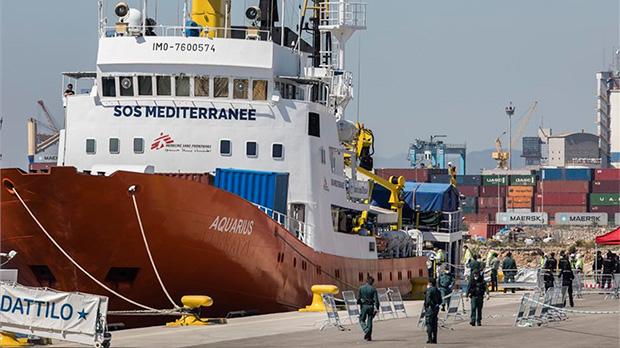Els tres vaixells de la flotilla de l''Aquarius' ja són a València | Directe