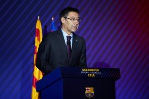 GRAF696. BARCELONA, 20/10/2018.- El presidente del FC Barcelona, Josep Maria Bartomeu, durante su intervención en la Asamblea de Compromisarios del FC Barcelona. EFE/Alejandro García