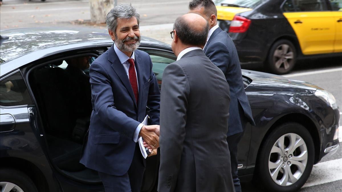 El presidente del CGPJ, Carlos Lesmes, a su llegada al TSJC, este viernes.