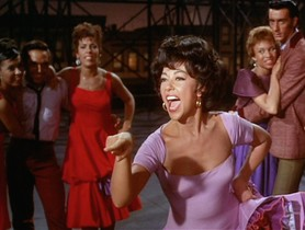 La actriz Rita Moreno, en una escena de West Side Story.