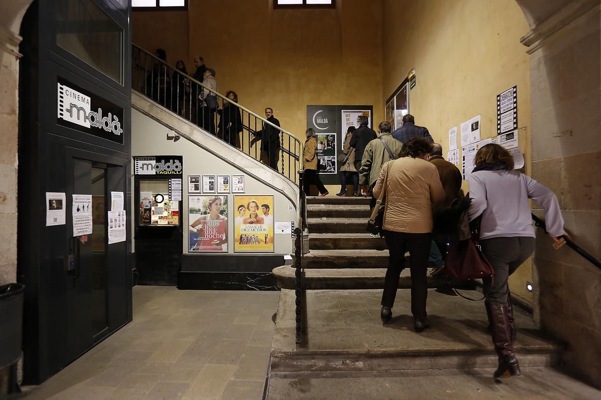 Aspecto del vestíbulo del Cinema Maldà.