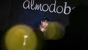 Concierto de Kiki DAkí en el bar Almodóbar