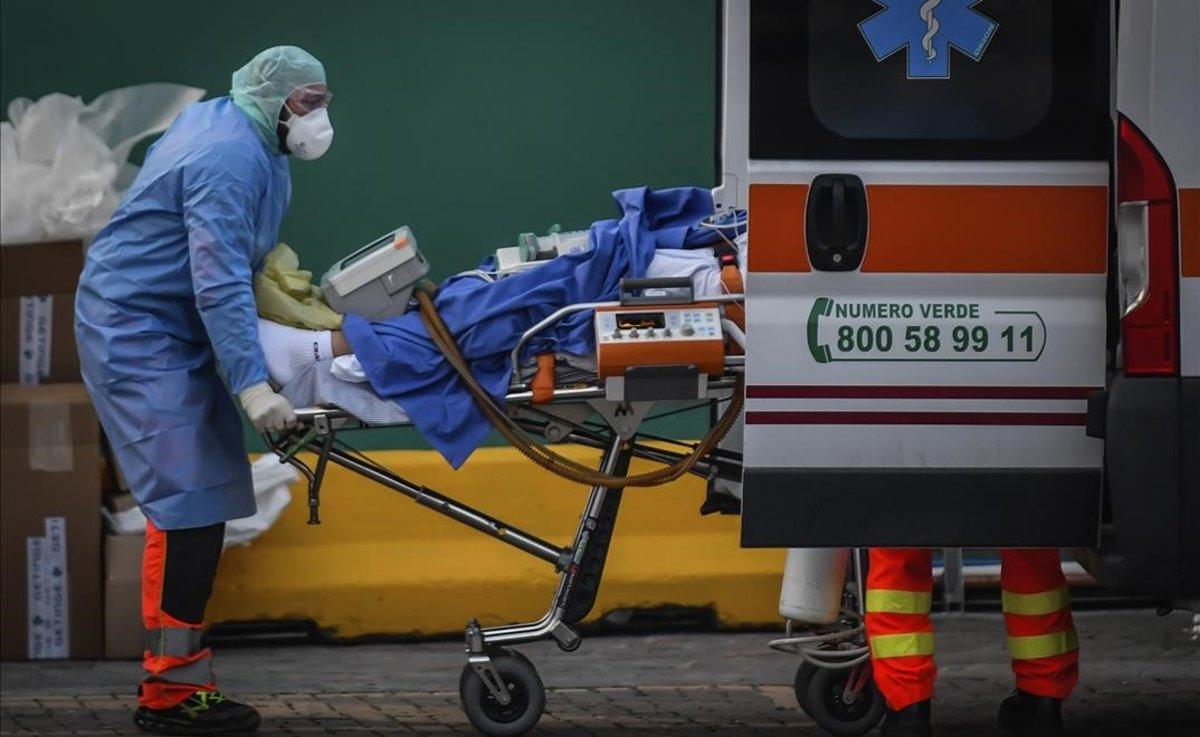COVID19 UPDATES - China Stopped Testing for COVID-19. That's Why There Are Zero New Cases plus MORE Coronavirus-italia-paciente-trasladado-una-nueva-area-del-hospital-san-raffaele-milan-1584989198378
