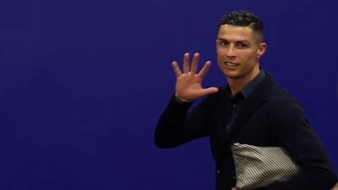 Cristiano, al salir del Metropolitano: Yo tengo cinco Champions, el Atlético cero.
