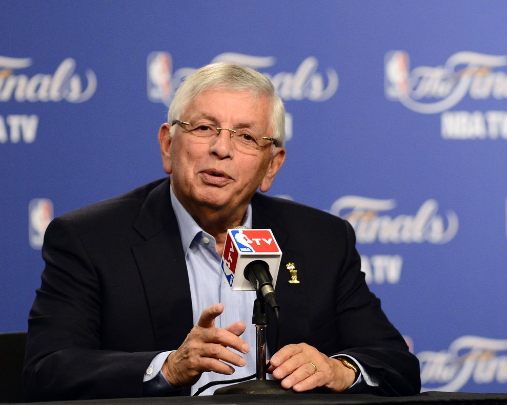 Oklahoma City (United States), 13/06/2012.- (FILE) - NBA commissioner David Stern meets the press prior to the Miami Heat at Oklahoma City Thunder game one of the NBA Finals outside the Chesapeake Energy Arena in Oklahoma City, Oklahoma, USA, 12 June 2012 (Reissued 01 January 2020). Former NBA commissioner David Stern died at the age of 77. (Baloncesto, Estados Unidos) EFE/EPA/LARRY W. SMITH *** Local Caption *** 50384523