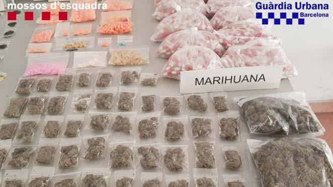 Desmantelado un grupo de lateros que vendía droga a turistas en Barcelona.