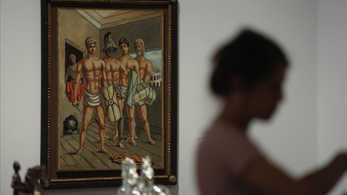 Detalle dela exposición con más de 140 obras deGiorgio De Chirico en CaixaForum.