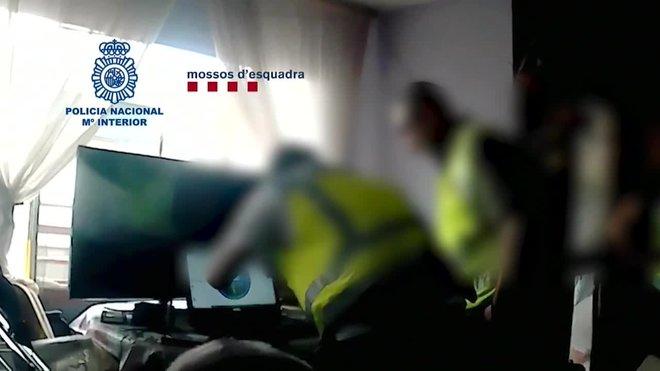 Detenido en Alcalá de Henares por acoso sexual a menores a traves de chats de juegos online.