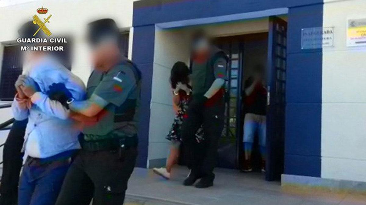 La Guardia Civil en colaboración con Policía Local Huércal Overa, ha detenido a cuatro atracadores que habían sustraído más de 200.000 euros de entidades bancarias en todo el territorio nacional.