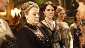 Maggie Smith y Michelle Dockery en Downton Abbey.