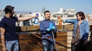 El director general de Cleanzy en España,Stefano Manzi (centro), en una imagen promocional con parte de su equipo.