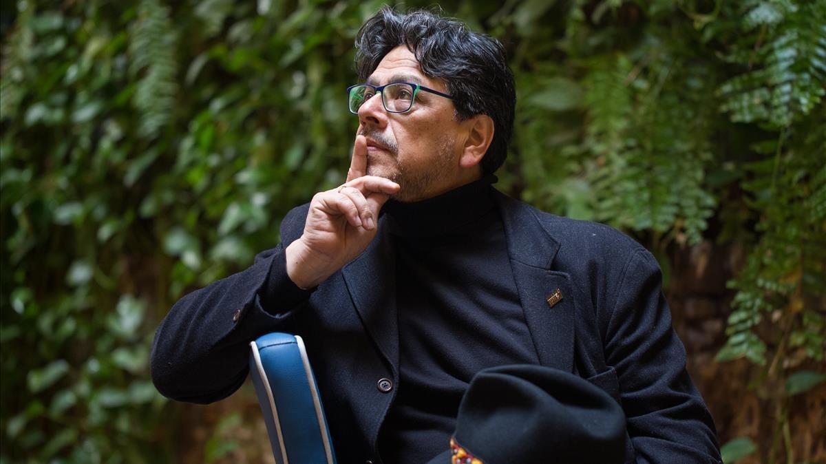 El escritor peruano de origen japonés Fernando Iwasaki.