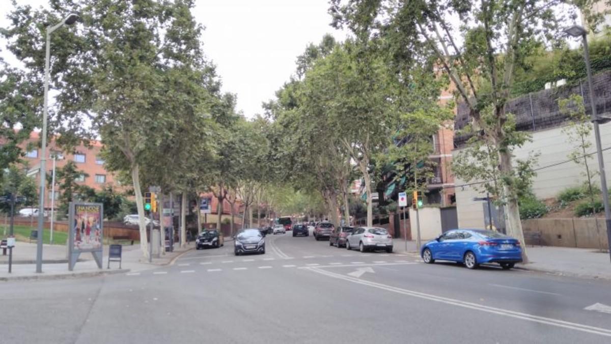 Espacio donde se situará el nuevo edificio de promoción de vivienda asequible en el barrio de Vallcarca, en Barcelona, entre las calles de la Farigola, la Argentera y Cambrils.