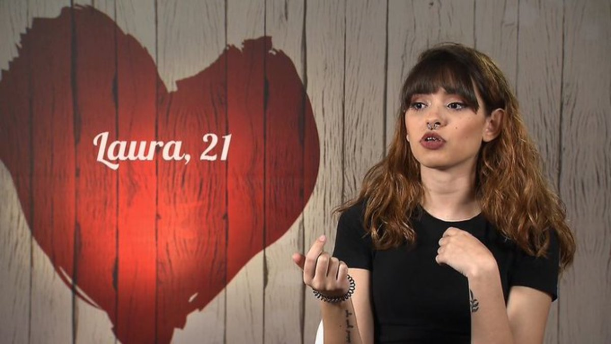 """Una participante de 'First dates', sobre sus talentos sexuales: """"Con los brakets se me complica la faena"""""""
