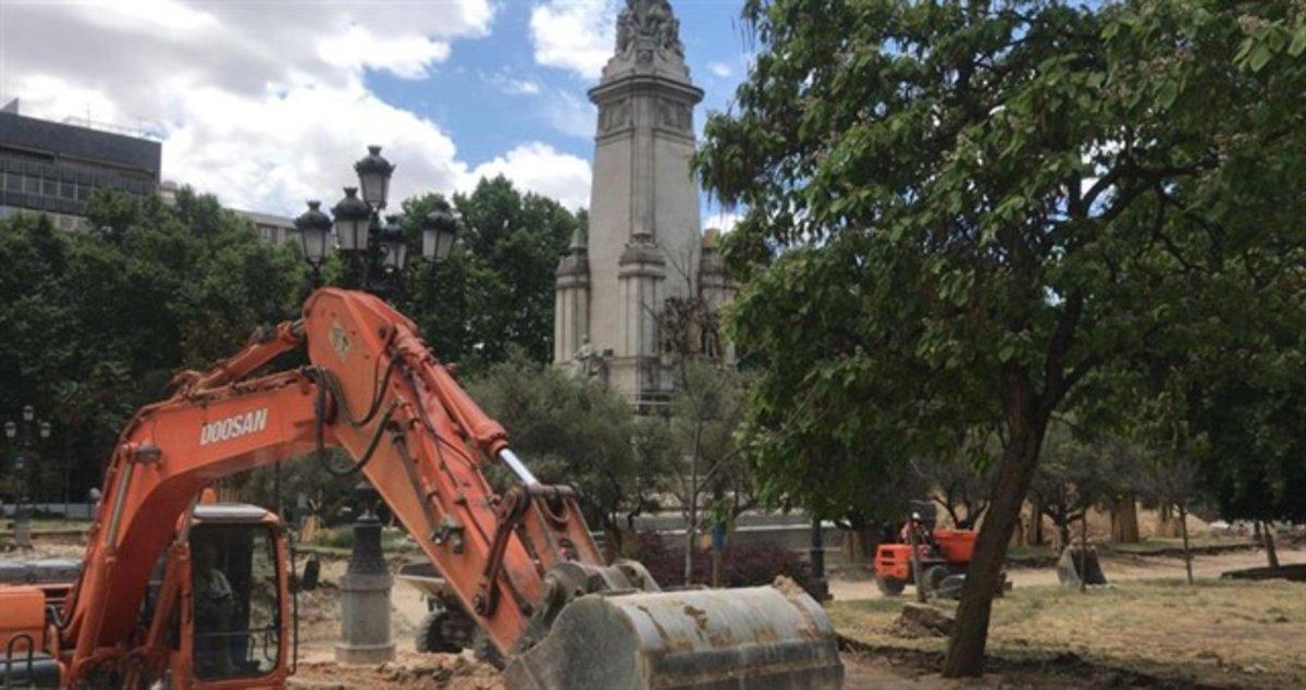 Troben més restes arqueològiques a la plaça d'Espanya
