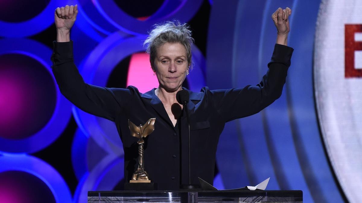 Frances McDormand recoge el premio a la mejor actriz protagonista por Tres anuncios en las afueras.