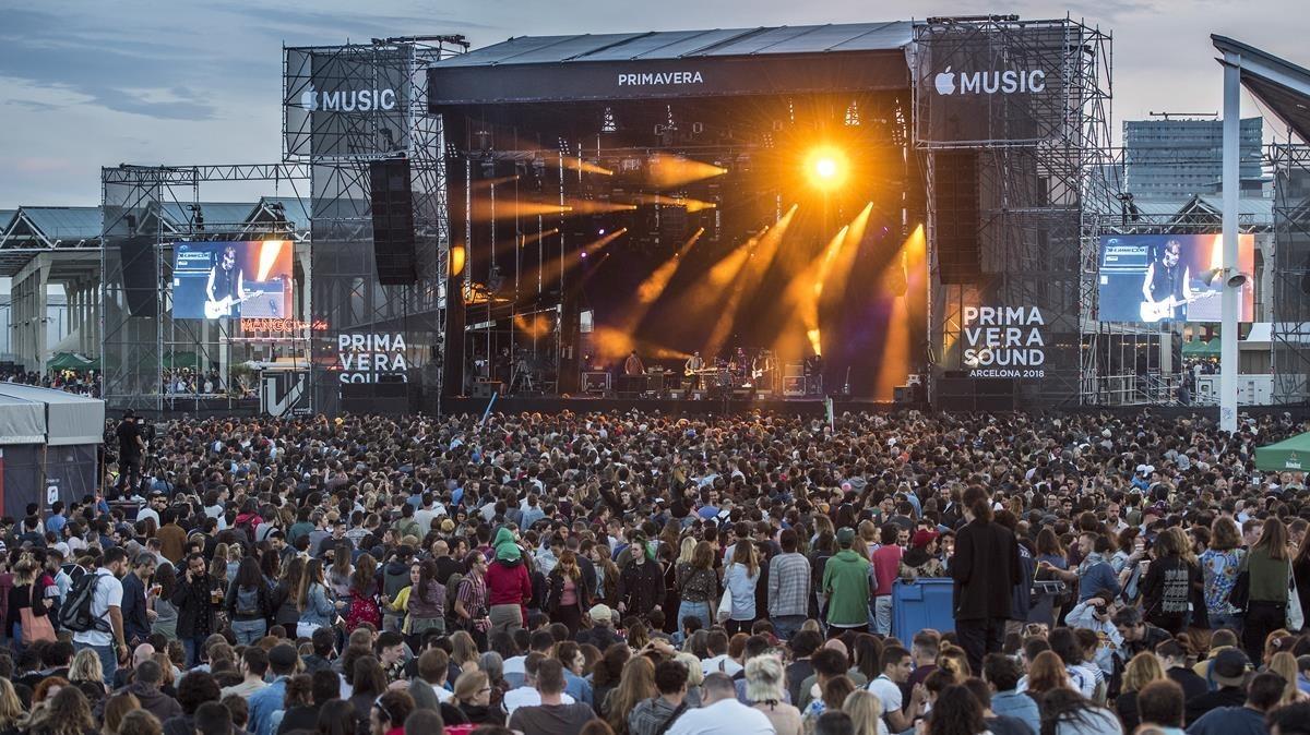 Ambiente y publico en la primera jornada gratuita del festival.