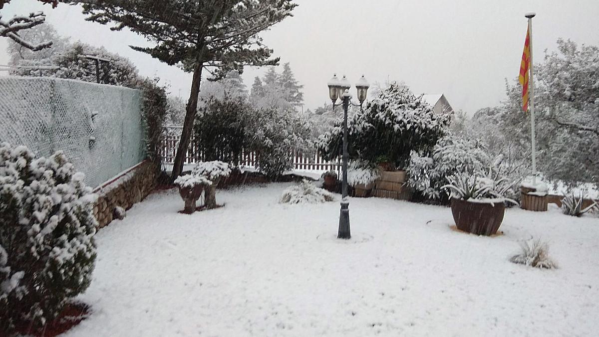 LAmetlla del Vallès (Vallès Oriental) presenta aquest aspecte després de la nevada.