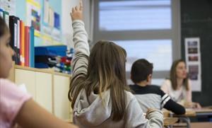 Les noves notes sense xifres sorprenen famílies i mestres