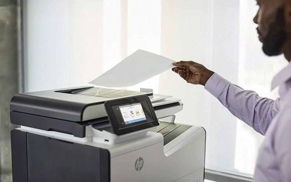 Una impresora tradicional de papel.
