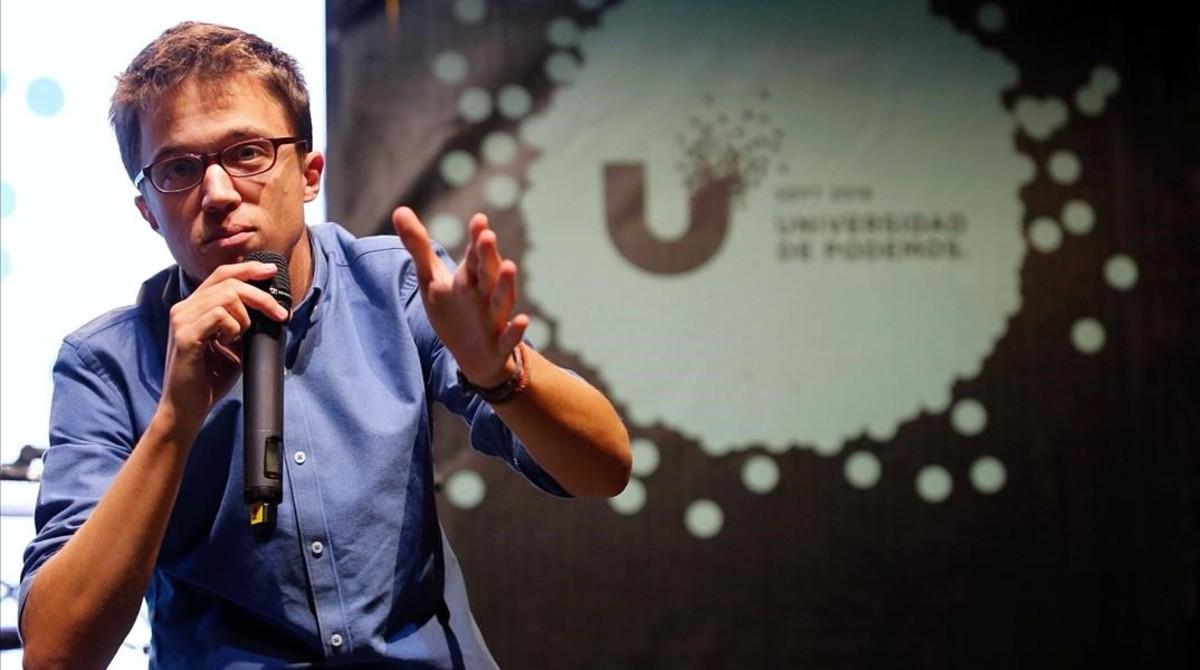Íñigo Errejón interviene en la ponencia inaugural de la Universidad de Podemos.