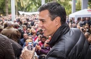 """Pedro Sánchez medita su candidatura con """"muchas ganas y mucha fuerza"""""""