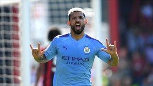 Agüero, amb dos gols, dirigeix el triomf del City