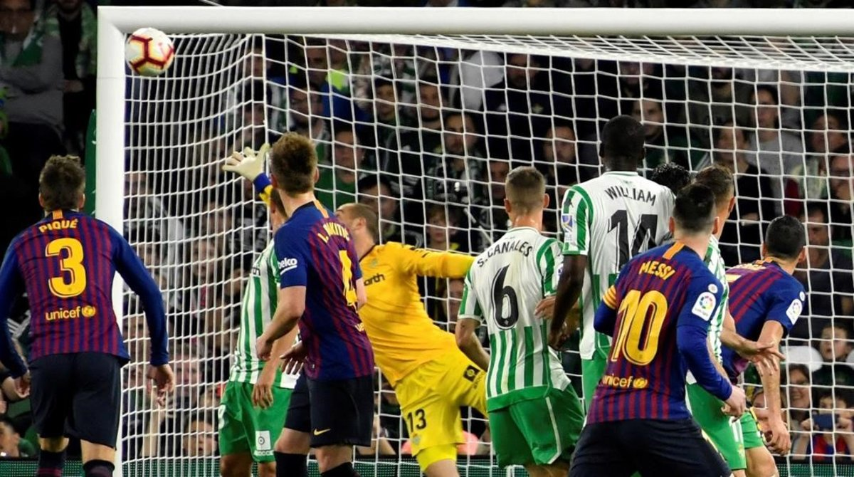 Messi firma el 0-1 con un extraordinario lanzamiento de falta.