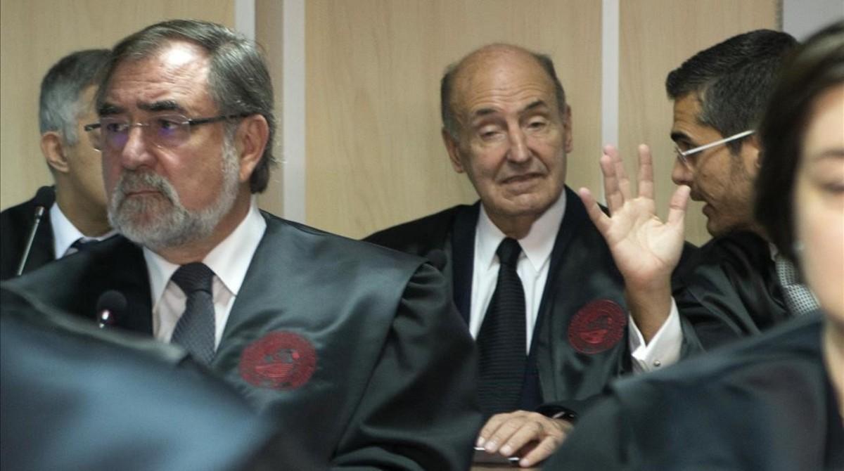 Miquel Roca, abogado de la infanta Cristina, en la sala del juicio del 'caso Nóos'.