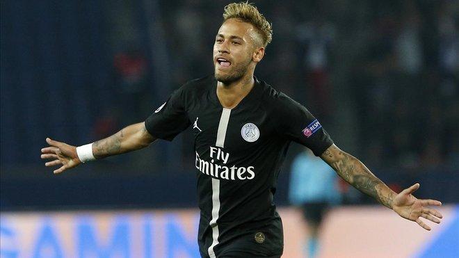 Neymar celebra uno de sus goles ante el Estrella Roja.