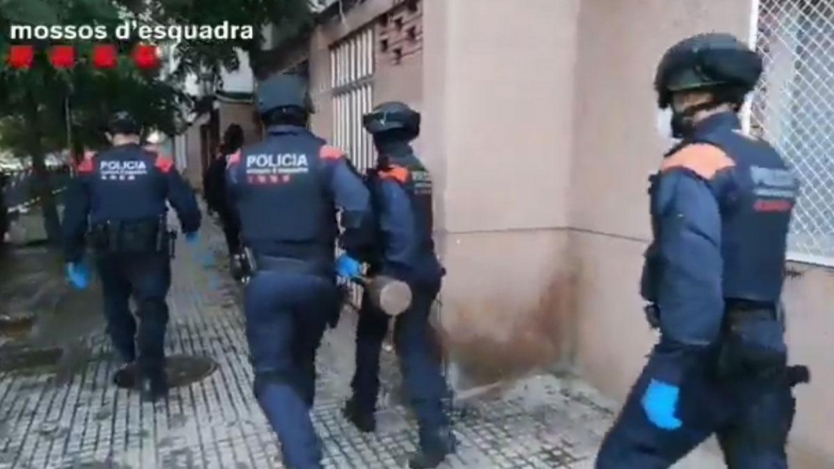 Operación contra un grupo de ladrones de pisos en Barcelona.