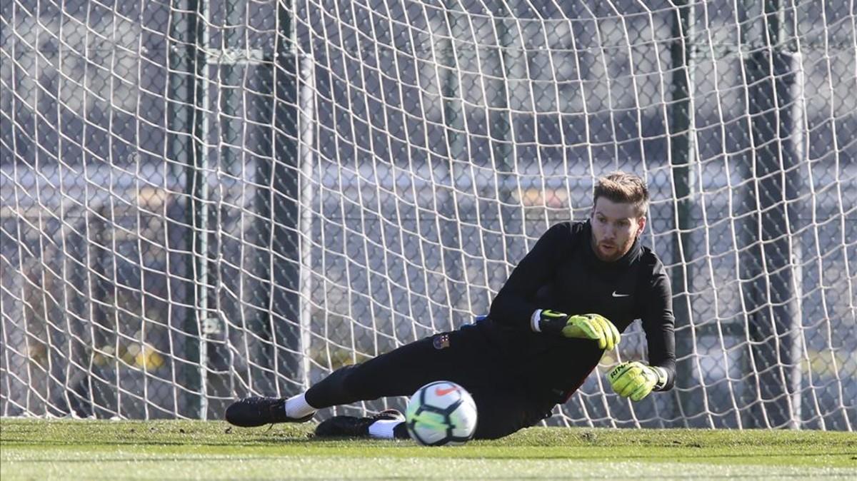 Ortolá en un entrenamiento con el Barcelona