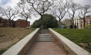 El parque en el que un joven ha apuñalado en el cuello a un menor tutelado por la Generalitat.