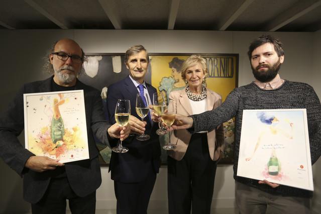 Presentacion campaña navidad de Codorniu. En la foto, de izq. a derecha el publicista Toni Sagarra, XavierPagès, Mar Raventós y Conrad Roset