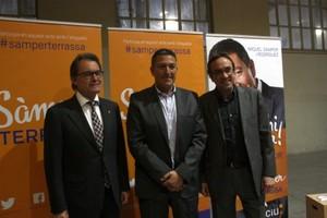 El president de la Generalitat, Artur Mas, el candidat de CiU a Terrassa, Miquel Sàmper, i el coordinador general de CDC, Josep Rull.