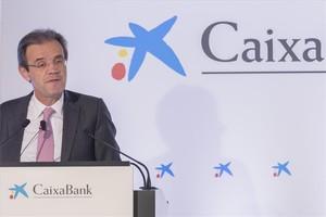 El presidente de CaixaBank,Jordi Gual, durante la presentaciónen Valenciade los resultados económicos del ejercicio de 2017.